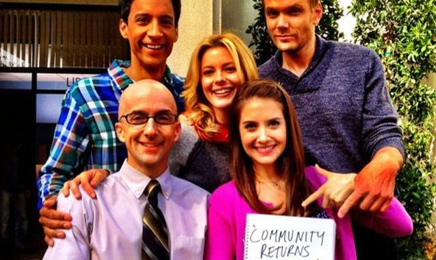 Alison Brie Confirms Community Return Date With Cast Twitpic