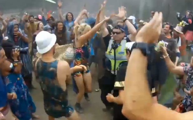 Victoria Policeman Cuts Sick, Steals Show At Rainbow Serpent Music Festival