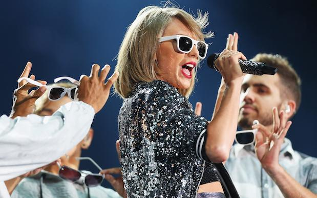 NSW Police Pull Over Chick For Singing Taylor Swift In Her Car