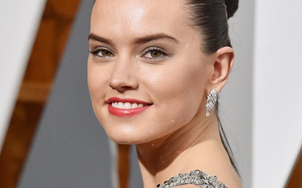 Daisy Ridley Strikes Back After Body-Shaming Insta Pic Of Rey Goes Viral