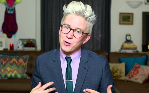 YouTube Has Been Quietly Censoring LGBTQI Videos & Ppl Are Furious About It