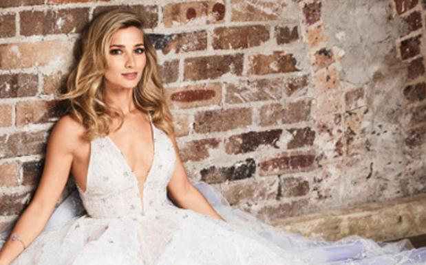 Anna Heinrich Serves Potential Wedding ~Lewks~ In Cosmo Bride Shoot