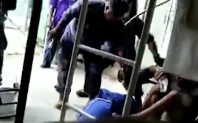 Papua New Guinea police enter Manus island detention center