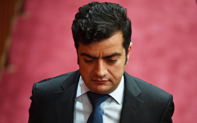 Sam Dastyari urged to 'consider his position' by Labor frontbencher