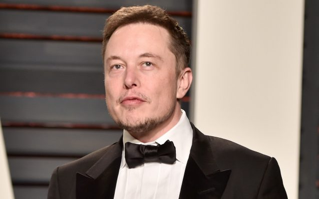 Elon Musk accidentally shares his cell phone number on Twitter