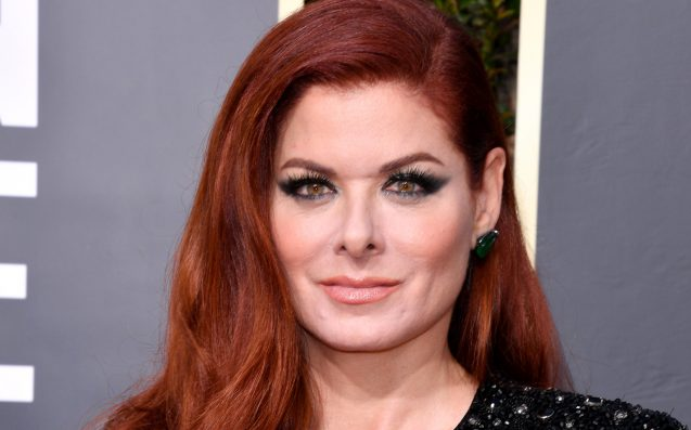 Debra Messing calls out E! while on E! red carpet
