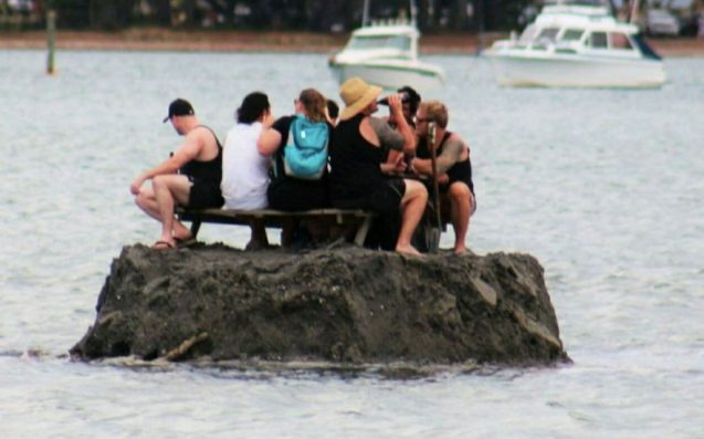 New Zealanders drink on tiny island to avoid local alcohol ban