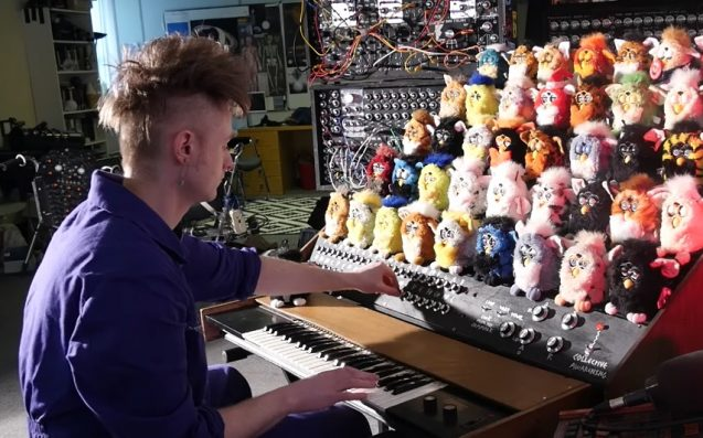 This Organ Made Entirely Of Discarded Furbies Is A 1990s Nightmare