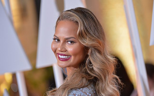Chrissy Teigen's Internet Savagery Has Turned Its Sights On A 90s TV Star