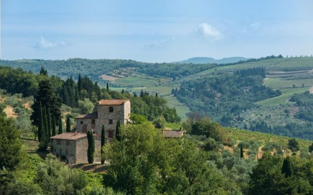 HEY, RICHIES: This Tuscan Farmhouse Once Owned By Michelangelo Is Up For Sale