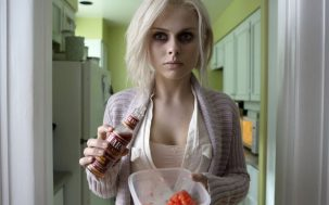 Why Right Now Is The Time To Jump Aboard The 'iZombie' Train