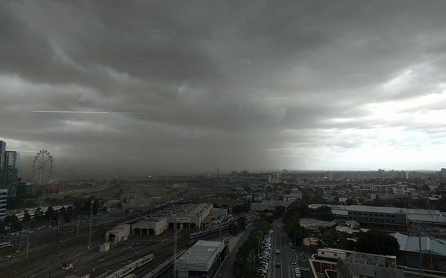 High Winds & A Bloody Huge Dust Storm Absolutely Smashed Melbourne This AM
