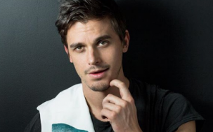 "'Queer Eye' Thirst Trap Antoni Reveals His Sexuality Is ""Fluid"""