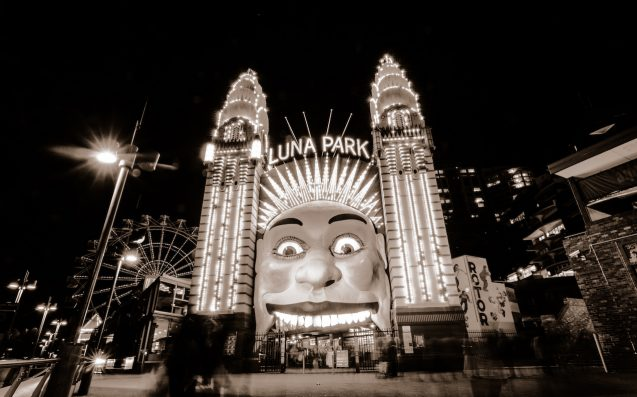 Samsung & Vivid Sydney Are Keen To Replace Luna Park's Face With Yours