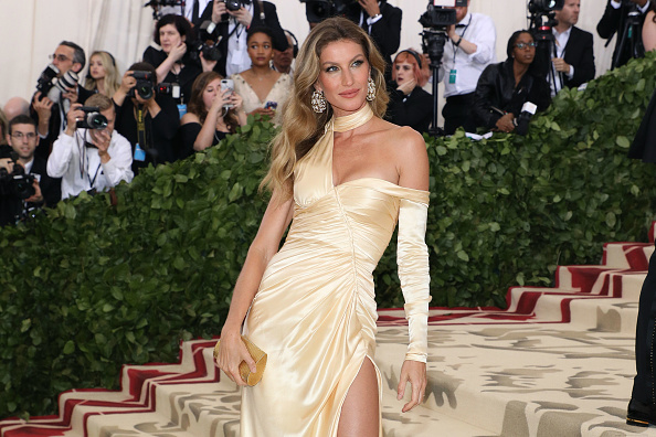 Gisele Bündchen apologizes for comments on young models